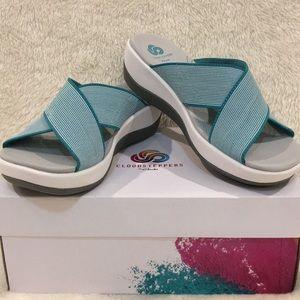 NWT Clark's Cloudsteppers Arla Elin Sandals-Size 6